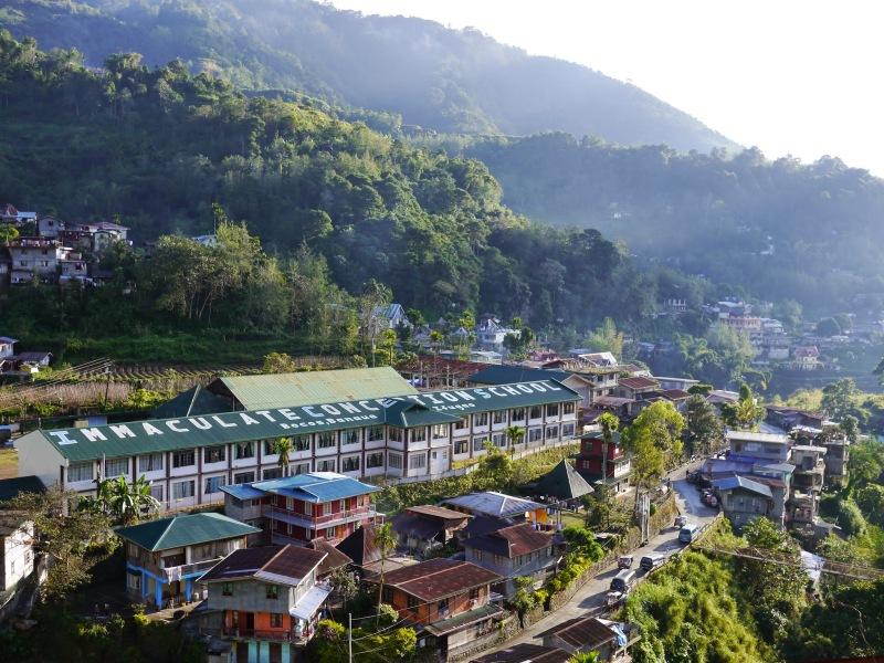 01-陽光灑落在早晨的Banaue小鎮