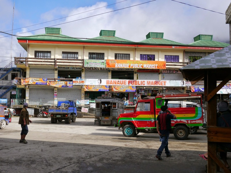 02-Banaue公共市場,身兼交通轉運站