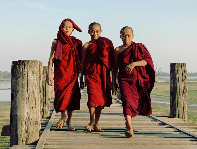 Burmese monks (Tom Flickr)