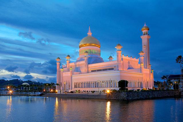 Sultan Omar Ali Saifuddin Mosque (奧馬爾·阿里·賽義夫丁蘇丹清真寺) (!kuba!)