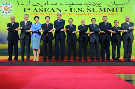 Secretary_Kerry,_ASEAN_Leaders_Pose_for_a_Family_Photo_(10170342063)