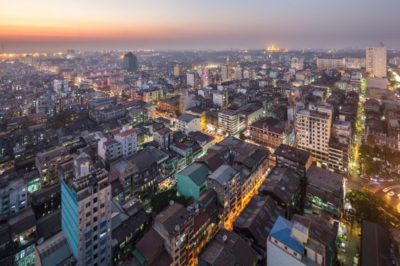 Yangon_downtown_at_night