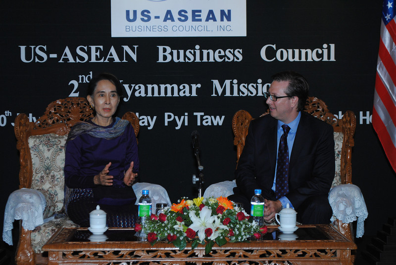 Council_President_meeting_Aung_San_Suu_Kyi_during_the_Myanmar_Business_Mission.jpg