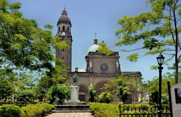 Manila_Cathedral,inside_Intramuros