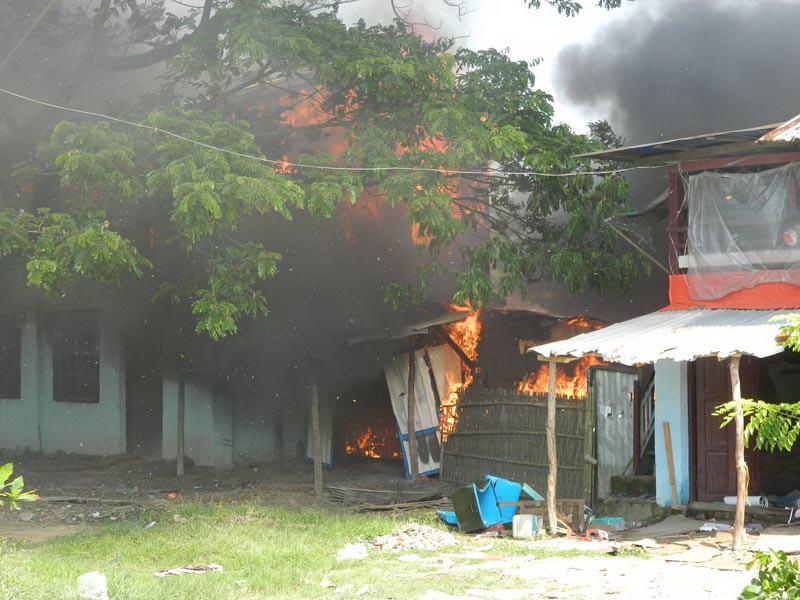 Rohingya_burning_of_Rakhine_village.jpg