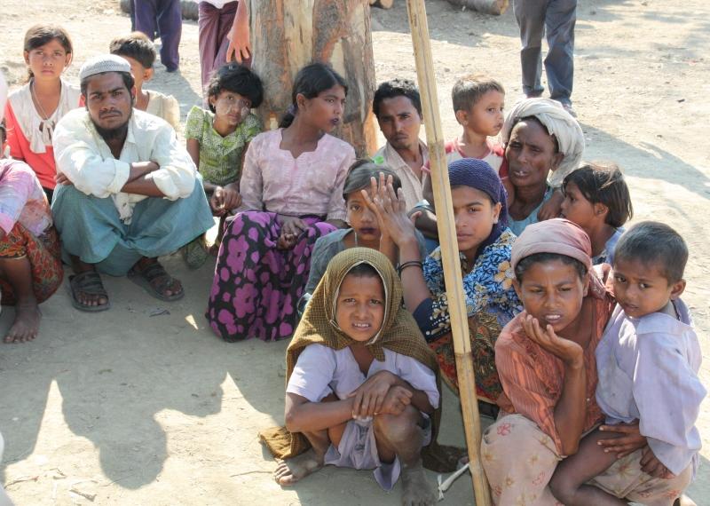 若開邦境內的羅興亞難民_wikipedia.jpg