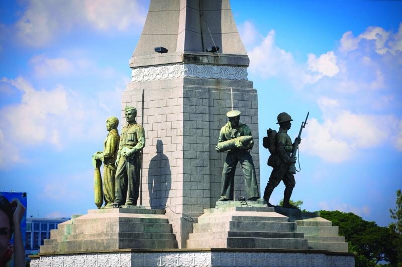 bangkok_victory_monument_2