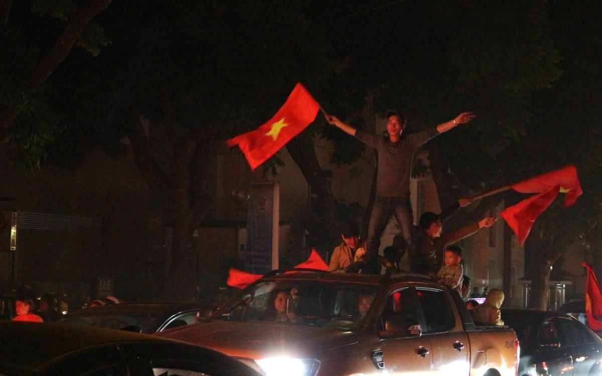 從越南民眾對國家足球隊的瘋狂,你能看到的是什麼?
