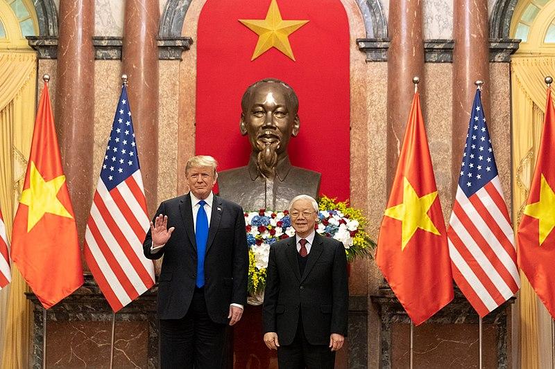 800px-President_Trump's_Trip_to_Vietnam_(33352865778)