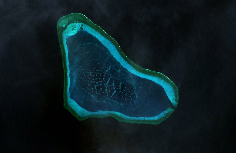 800px-Scarborough_Shoal_Landsat