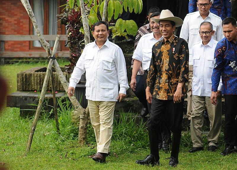 800px-Jokowi_meets_Prabowo_31_Oct_2016_3