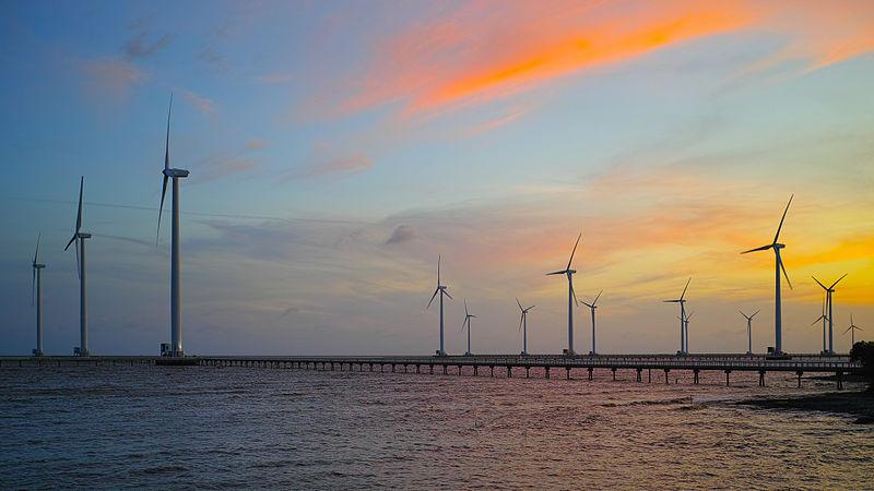 800px-Bạc_Liêu_windpower_farm.jpg
