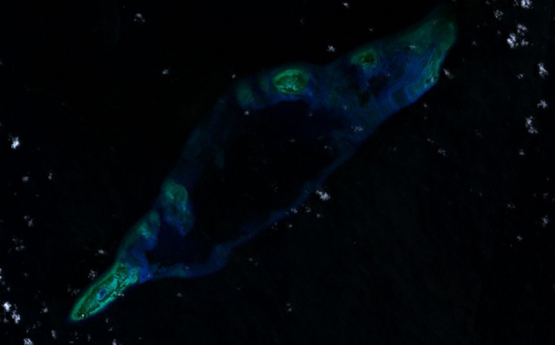 Fiery_Cross_Reef_LANDSAT_2000