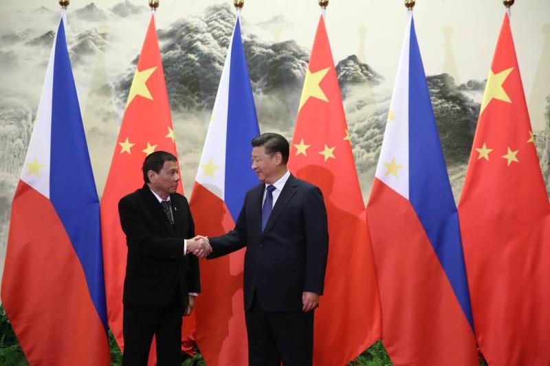 President_Duterte_handshake_with_President_Xi